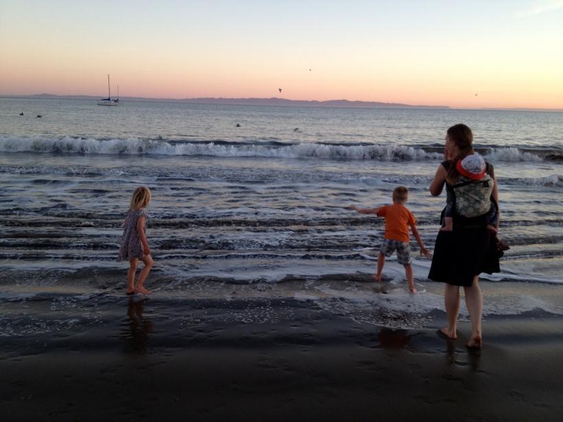 Forsker, barn og bølger.