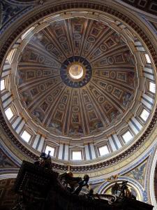 Kuppelen i Peterskirken. Bilde: Attila Terbócs/Wikimedia Commons